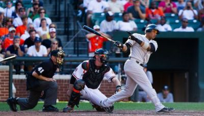 1280px-Robinson_Cano_batting_in_Sept_2012