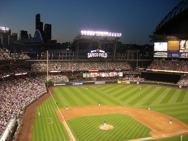 00a640px-Safeco_Field_night