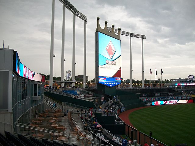 640px-Kauffman_Stadium_on_July_20,_2009